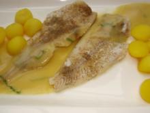 Fischfilet mit Kartoffel Kräuter Nage und Kurkuma Kartoffeln - Rezept