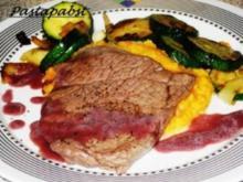 Rindersteak mit gebratenen Zucchini und  Süßkartoffelbrei - Rezept
