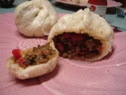 Baozi mit Gemüse-Hackfleisch Füllung - Rezept