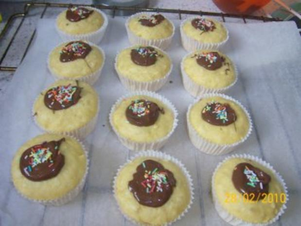 Apfel-Muffins mit Nutellaklecks und bunte Streusel - Rezept - Bild Nr. 3