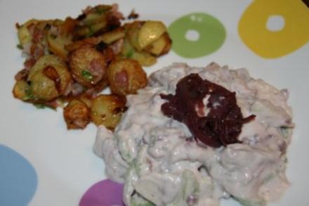 Matjes-Topf mit Rotwein-Zwiebeln und Bratkartoffeln - Rezept