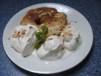 Gebackene Ananas mit Vanilleeis und Eierlikörsahne - Rezept