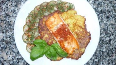 Reibekuchen mit gebratenem Lachs - Rezept