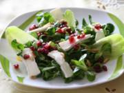 Salat mit Ziegenkäse und Granatapfel-Vinaigrette - Rezept