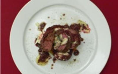 Kängurufilet mit Austern auf einem Bett von Roter Bete und Meerrettichcreme - Rezept - Bild Nr. 12