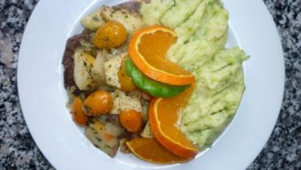 Kalbsleber mit Erbsenpüree und Apfel - Kumquatsgemüse - Rezept