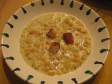 Kartoffel-Mais-Suppe mit Sauerrahm - Rezept