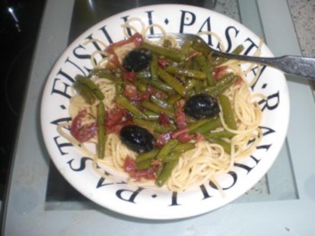Spaghetti mit grünen Bohnen und Chili - Rezept