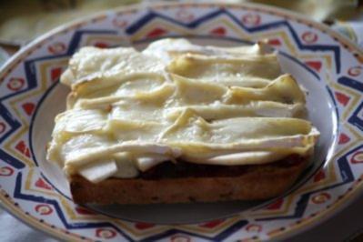 Birnen-Camembert-Toast - Rezept