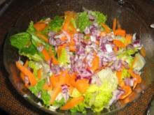Romanaherzensalat mit Möhren und Petersilienwurzel - Rezept