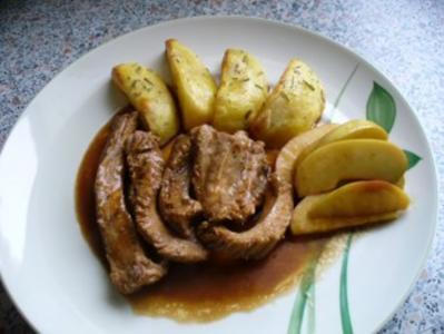 Schweinsrippchen gefüllt und Rosmarinkartoffeln - Rezept