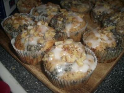 Muffins á la Mohn mit Nüssen, Lebkuchen und Grieß - Rezept