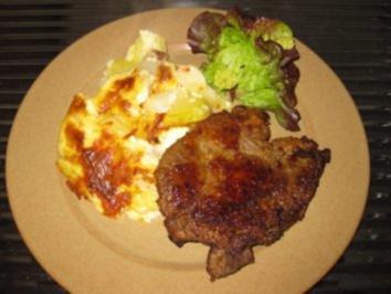 Kartoffel-Spargel-Gratin und Kotelett - Rezept