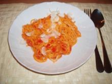 Spaghetti in Paprika-Carbonara-Sauce - Rezept