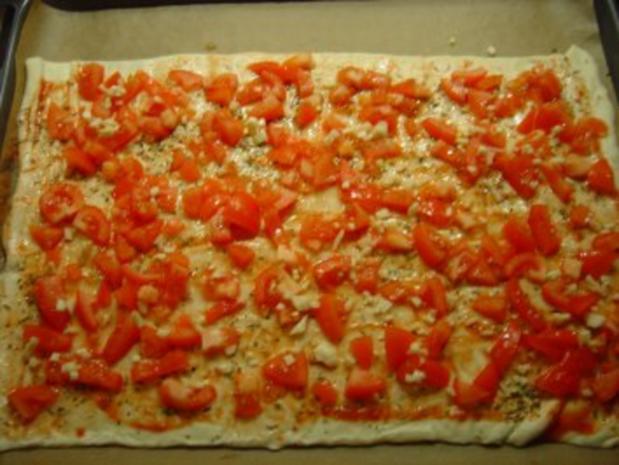 Pizza mit Eismeer-Garnelen und Schafskäse - Rezept - Bild Nr. 4
