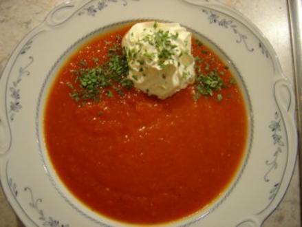 Gazpacho, warm als kalorienarme Vorspeisen-Suppe - Rezept