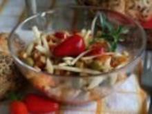 Slowakischer  Salat mit Chillis und Käse - sehr scharf ;-) - Rezept