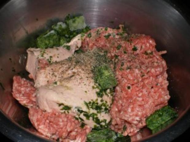 Gegrillte Maultasche im Speckmantel auf Spinat mit Achatschnecken garniert - Rezept - Bild Nr. 3