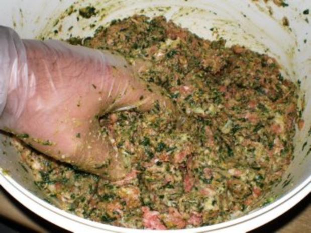 Gegrillte Maultasche im Speckmantel auf Spinat mit Achatschnecken garniert - Rezept - Bild Nr. 4
