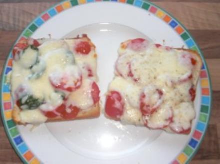 Überbackener Mozarella-Toast - Rezept
