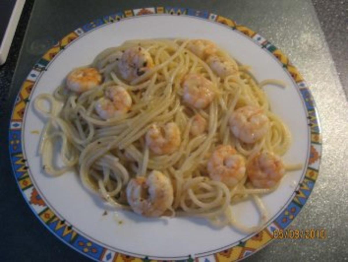 Spaghetti mit Knoblauch, ÖL und Garnelen   Spaghetti aglio e olio + Garnelen