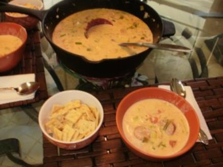 Suppe- Spargel Creme Suppe mit Shrimp und geraeucherte Wurst   -   Gut wenn es draussen kuehl ist - Rezept