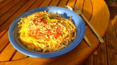 Spaghetti mit Erdbeer-Basilikum-Soße - Rezept - Bild Nr. 2