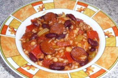 Eintopf: Zweierlei Bohnen mit Reis und Cabanossi - Rezept