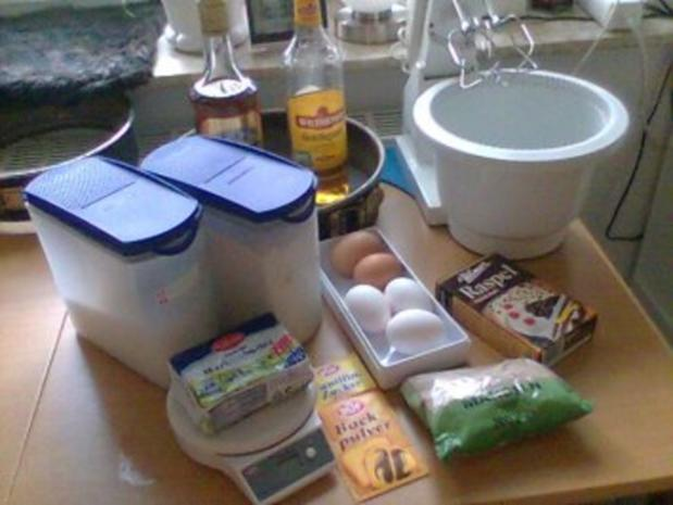 Köstliche Schokoladentorte mit Eierlikör. Mit Bilder! - Rezept
