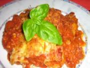 Cannelloni gefüllt mit Chamignon-Kräuter- Ricotta in Tomatensoße - Rezept