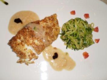 Kabeljau in der Gewürz- Sesam- Kruste mit Zucchininudeln - Rezept