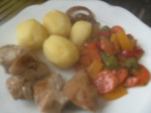 Hähnchenbrust gebraten in Salbeibutter  Rahm-Gemüse und gedünsteten Zwiebeln - Rezept - Bild Nr. 6