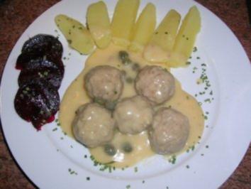 Könisgberger Klopse nach Rosis Männe Art (ne ehrlich, ich wurde heute nach einem langen Arbeitstag wirklich mit diesem Essen überrascht) - Rezept