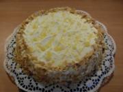 Schicht-Torte aus weißer Schokolade und Eierlikör - Rezept