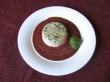 Pistazienparfait auf Erdbeer - Basilikumpüree - Rezept