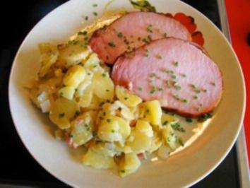 Warmer Kartoffelsalat mit Kasseler-Lachse - Rezept