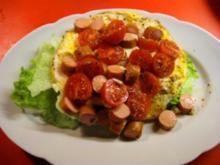 gerührtes Ei mit Würstchen und Tomaten..... - Rezept