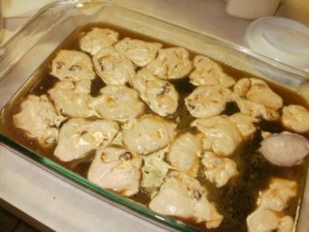 Pudding: Rosinen Pudding - ein altes Rezept von dem Sklaven Kochbuch - Pudding schwimmt in eigener Fluessigkeit - Rezept - Bild Nr. 5