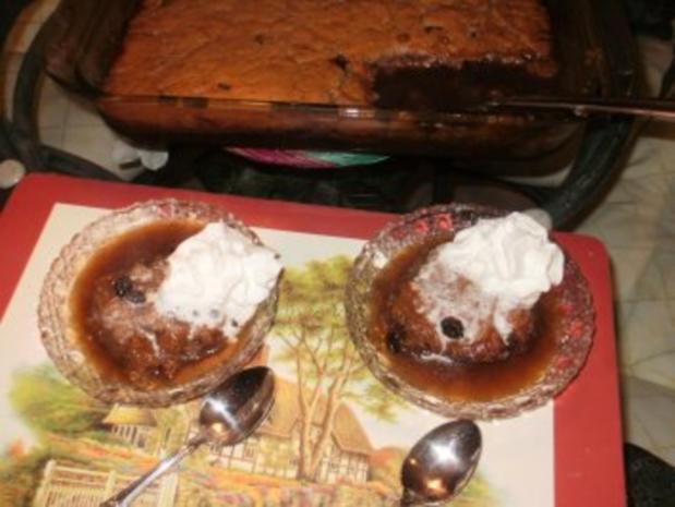 Pudding: Rosinen Pudding - ein altes Rezept von dem Sklaven Kochbuch - Pudding schwimmt in eigener Fluessigkeit - Rezept