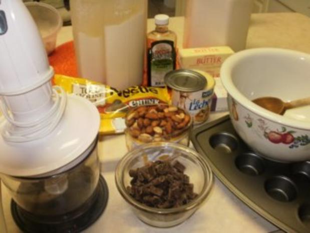 Muffins Mini:  Rum- Schokolate Chips gefuellte kleine Muffins - Gefuellt -Elegant fuer Besuch zum Kaffee - Rezept - Bild Nr. 2