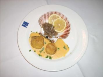 Gebackene Jakobsmuschel an Zwiebel-Chilischoten und Honigsoße - Rezept