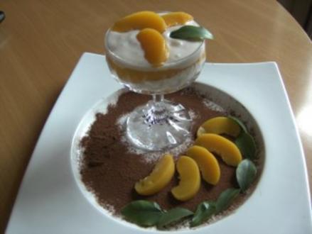 Desserts: Eistee-Creme mit Pfirsich - Rezept