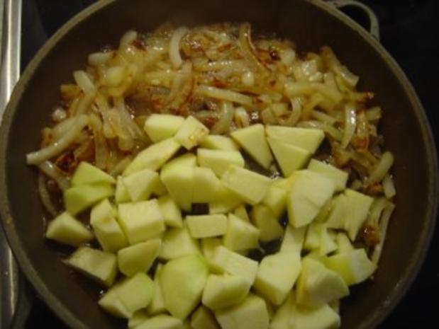 Bauern - Pfanne mit Zwiebel-Apfelmus und Kartoffelpürree - Rezept - Bild Nr. 3