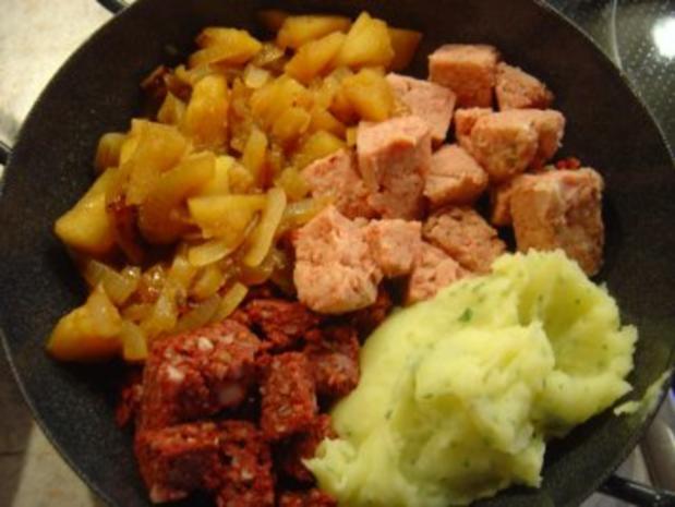Bauern - Pfanne mit Zwiebel-Apfelmus und Kartoffelpürree - Rezept - Bild Nr. 5