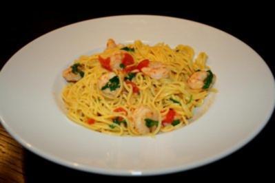 Rezept: Pasta mit Scampi und Vanille-Tomaten