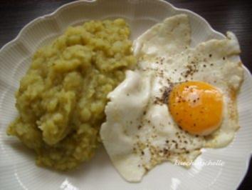 Kartoffel-Brokkoli-Stampf mit Spiegelei - Rezept
