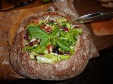 Salat im Brot - Rezept