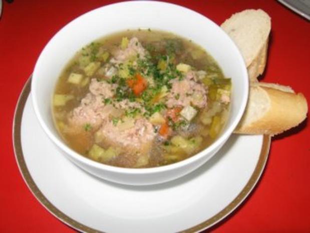 Lebernocken in herzhafter klarer Suppe mit Gemüsewürfel - Rezept - Bild Nr. 6