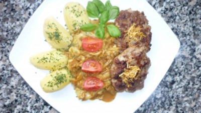 Frikadellen mit Spitzkohl in Curry-Honigrahm und Salzkartoffeln - Rezept