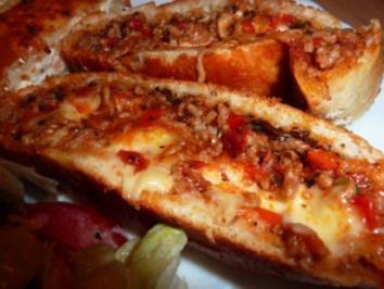 Gebäck herzhaft: Pizzarolle - Rezept
